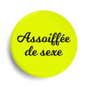 Badge assoifée de sexe jaune fluo élodie poux