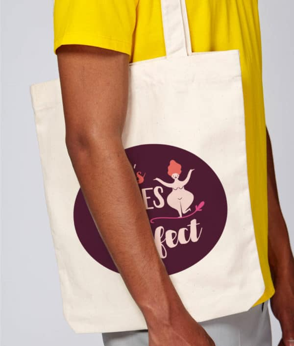 Mise en situation tote bag Nos bodies are perfect